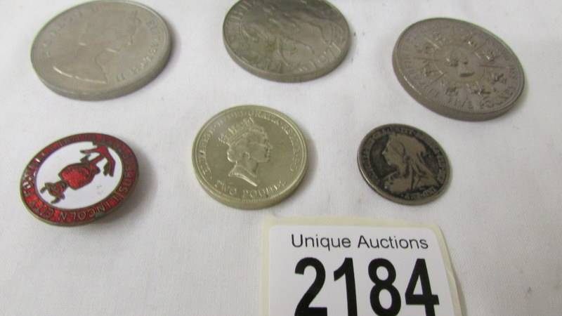 A mixed lot of coins including 1993 £5, crowns, commemorative £2 coin etc. - Image 2 of 3