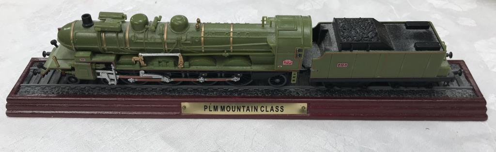 8 x '00' gauge replica model steam trains (5 boxed & 3 unboxed ornamental locomotives) - Image 3 of 10
