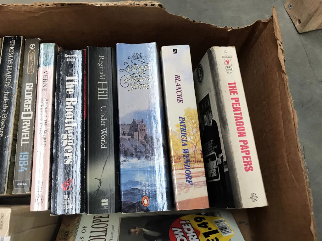A good lot of paperbacks (including some new) - Image 4 of 15