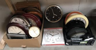A good lot of mostly wall clocks