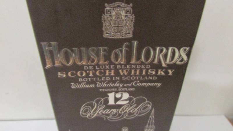 A 1980's boxed House of Lords 12 year old Whisky. - Image 2 of 2