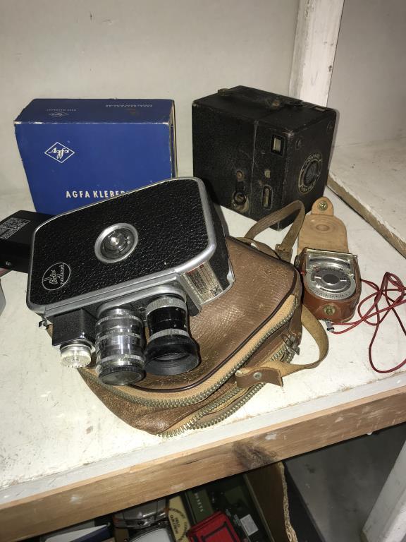 A quantity of vintage camera's & accessories including Bolex Paillard, Voigtlander color skopar etc. - Image 4 of 4