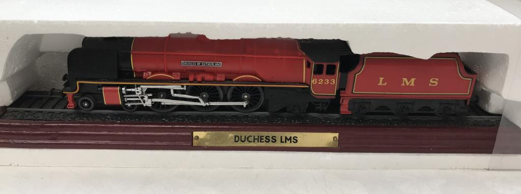 8 x '00' gauge replica model steam trains (5 boxed & 3 unboxed ornamental locomotives) - Image 6 of 10