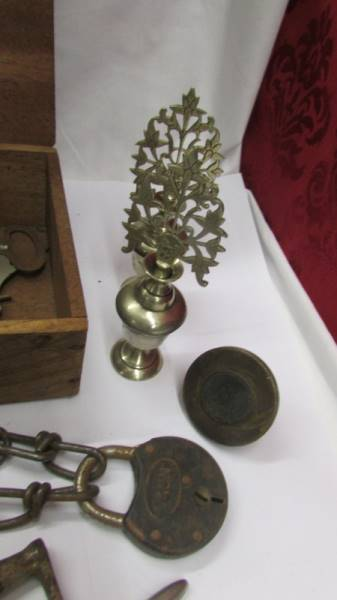 An interesting collection of clocks and clock parts including an art deco marble clock, - Image 8 of 8