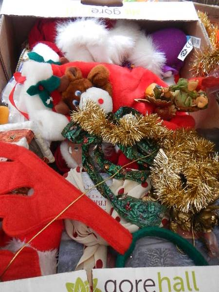 A quantity of Christmas decorations. - Image 2 of 4