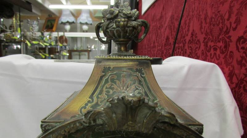 A Victorian Beulle mantel clock in good working order and in good condition with no lifting of - Image 4 of 18