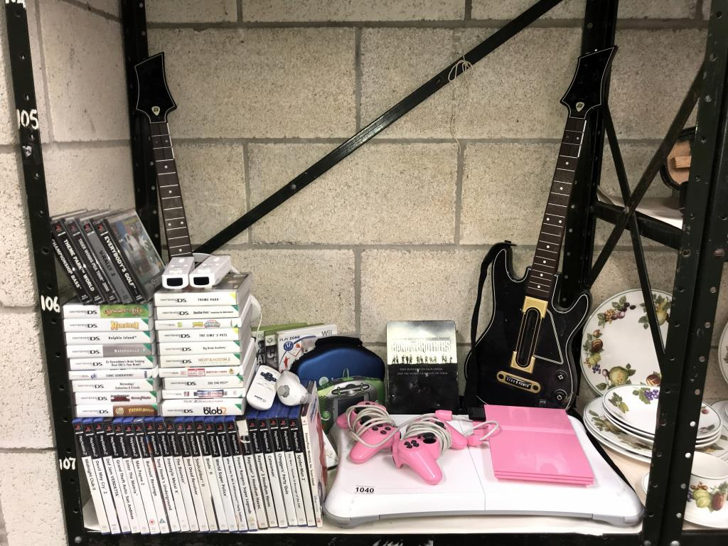 An Xbox 360, Nintendo Wii, 3 x DS's & a quantity of games including PlayStation 2 etc. - Image 2 of 11