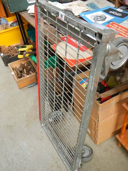 A four wheel trolley. - Image 2 of 2