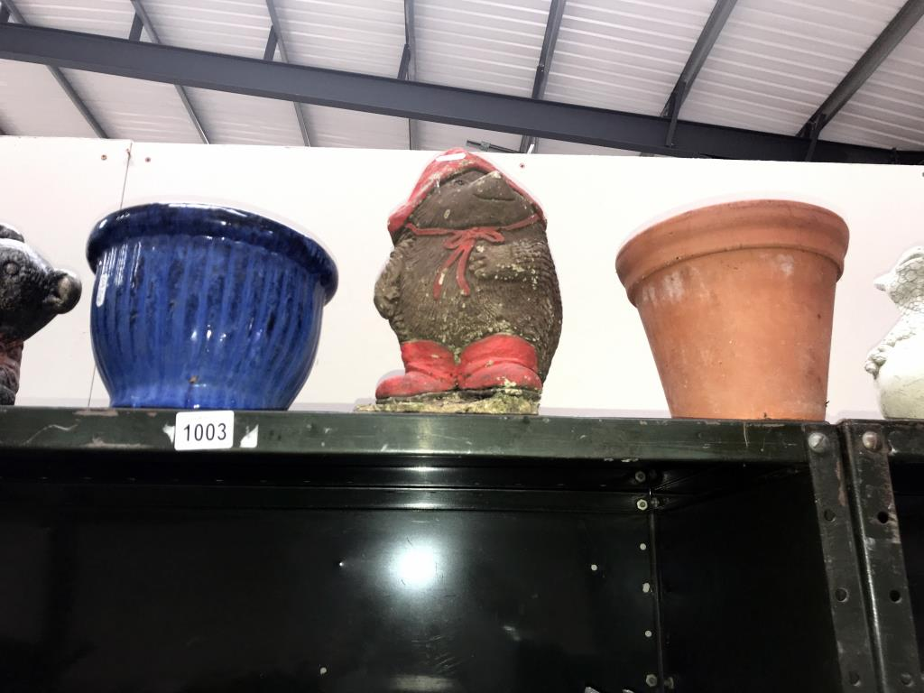 A quantity of garden planters and ornaments including Paddington Bear - Image 3 of 4