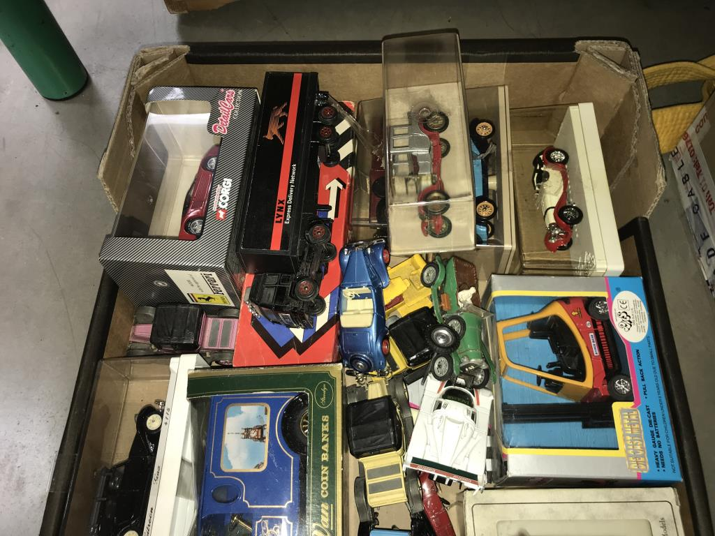 A quantity of mixed diecast boxed and unboxed including Solido, Corgi, Rio etc. - Image 3 of 3