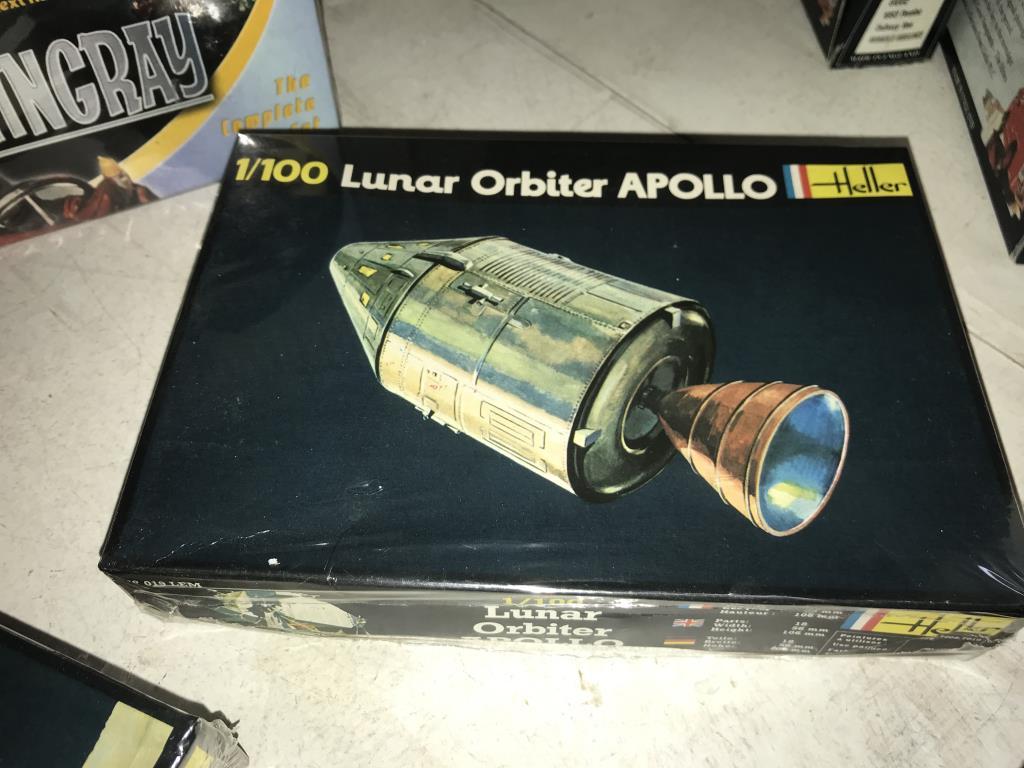 A Scott Tracy model kit, 2 Heller 1/100 Lunar models, - Image 4 of 6