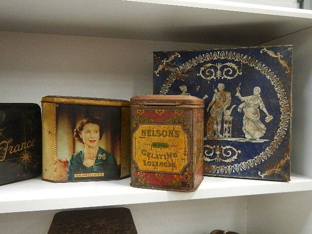 A good selection of old collector's tins. - Image 3 of 4