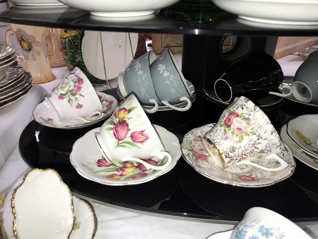 A quantity of porcelain trio's & cups & saucers including Royal Albert etc. - Image 4 of 7