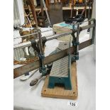 A table mitre saw.