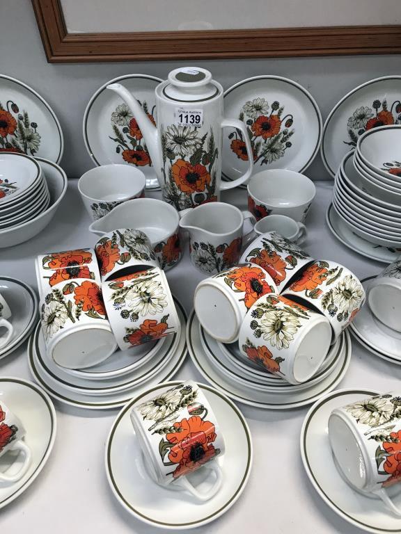 A large lot of vintage J & G Meakin poppy pattern crockery, - Image 3 of 4