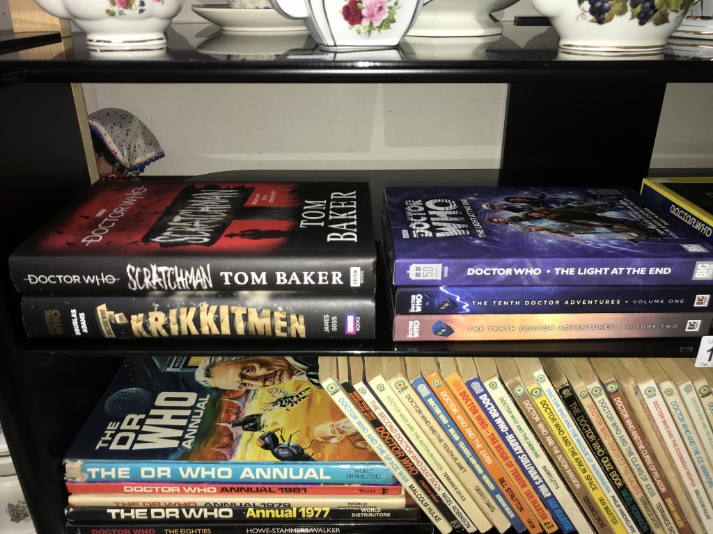 A good lot of vintage & modern Dr Who books, - Image 2 of 11