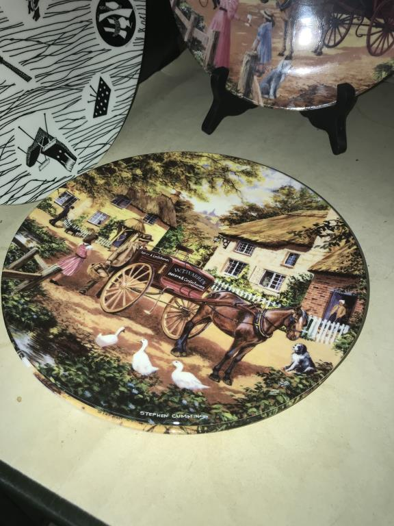 A selection of collectors cabinet plates including aircraft etc. - Image 2 of 12