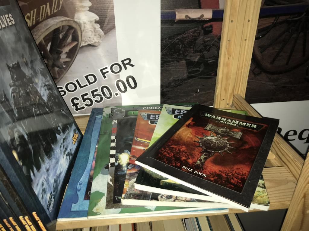 A good collection of Games Workshop Warhammer 40,000 vintage guides/rules, codex etc. - Image 3 of 3