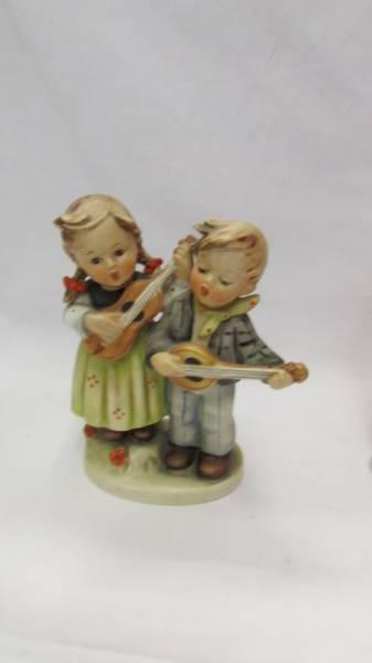 Siz Goebel/Hummel figurines. - Image 3 of 7