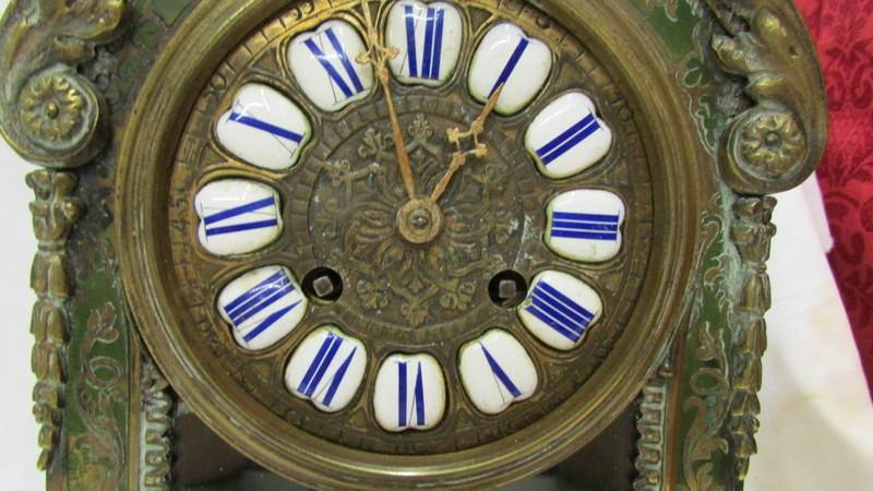 A Victorian Beulle mantel clock in good working order and in good condition with no lifting of - Image 3 of 18