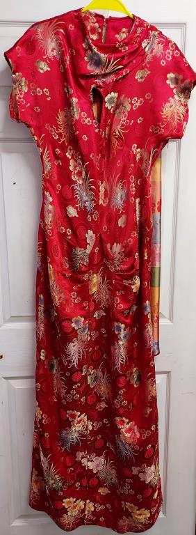 Red slim fit floral patterned evening gown with coordinating shawl – no size label