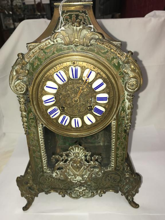 A Victorian Beulle mantel clock in good working order and in good condition with no lifting of - Image 10 of 18