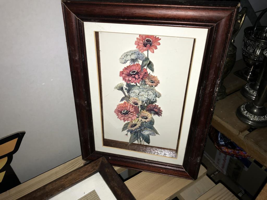4 framed 3D flower pictures & 1 other - Image 5 of 6
