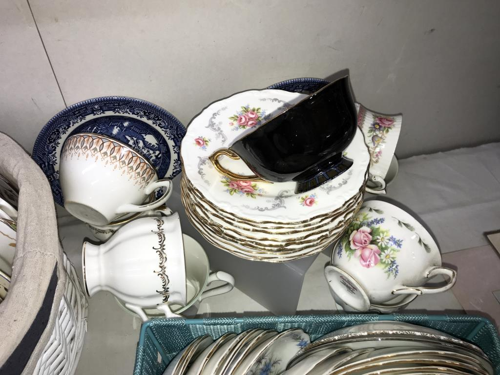 In excess of 170 pieces of crockery, plates, saucers and cups, - Image 6 of 7