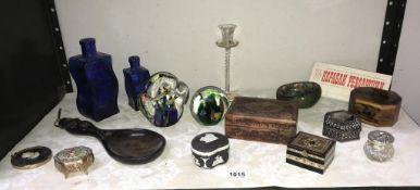 A shelf of miscellaneous including trinket boxes, black Wedgwood jasperware,