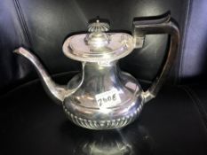 A very fine Victorian silver coffee pot, hall marked Sheffield 1899, 24 ounces of silver.