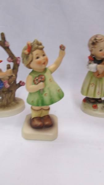 Siz Goebel/Hummel figurines. - Image 6 of 7