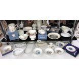 A good lot of Wedgwood, Aynsley, Royal Doulton, Royal Worcester & Coalport trinket dishes etc.