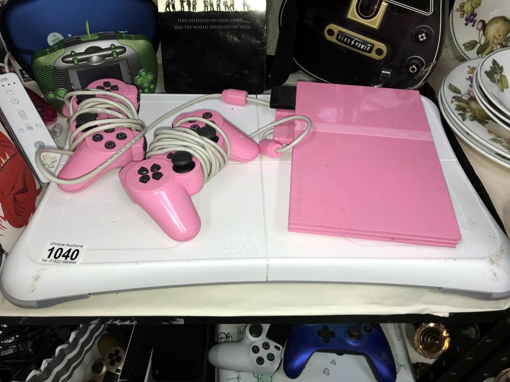 An Xbox 360, Nintendo Wii, 3 x DS's & a quantity of games including PlayStation 2 etc. - Image 4 of 11