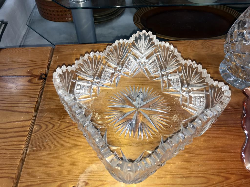 A carnival glass bowl, - Image 2 of 5