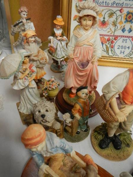 A quantity of figures all in good condition. - Image 2 of 3