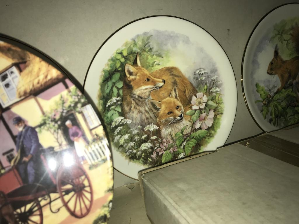 A selection of collectors cabinet plates including aircraft etc. - Image 7 of 12