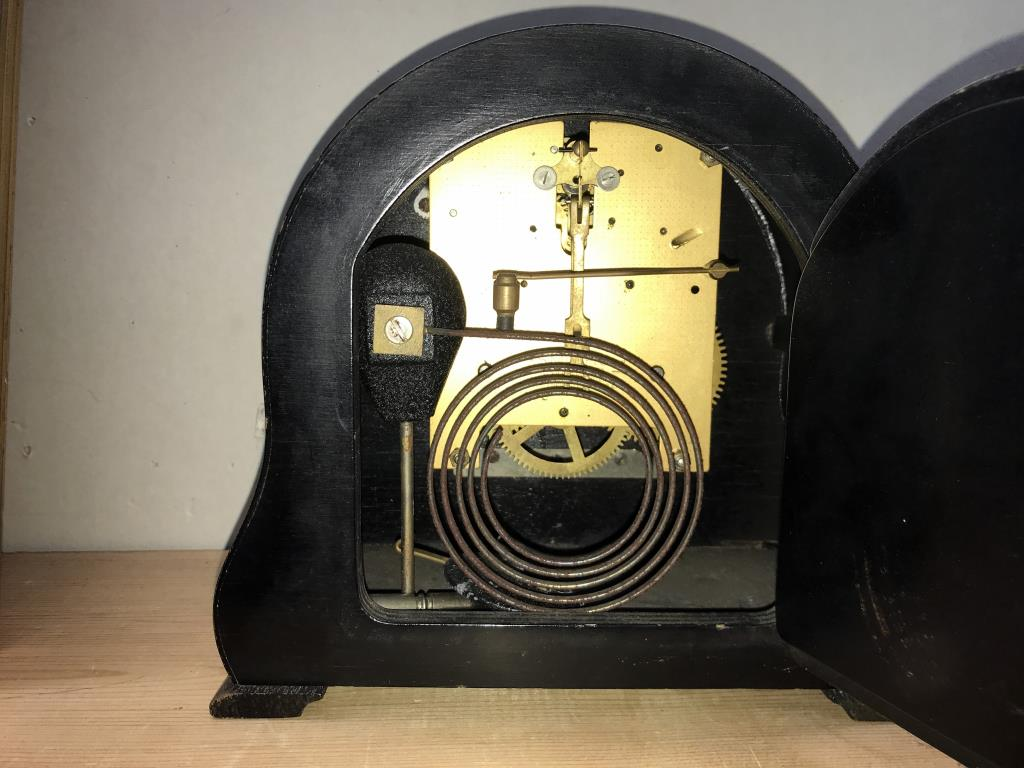 2 x 1930's Smiths mantle clocks, - Image 3 of 5