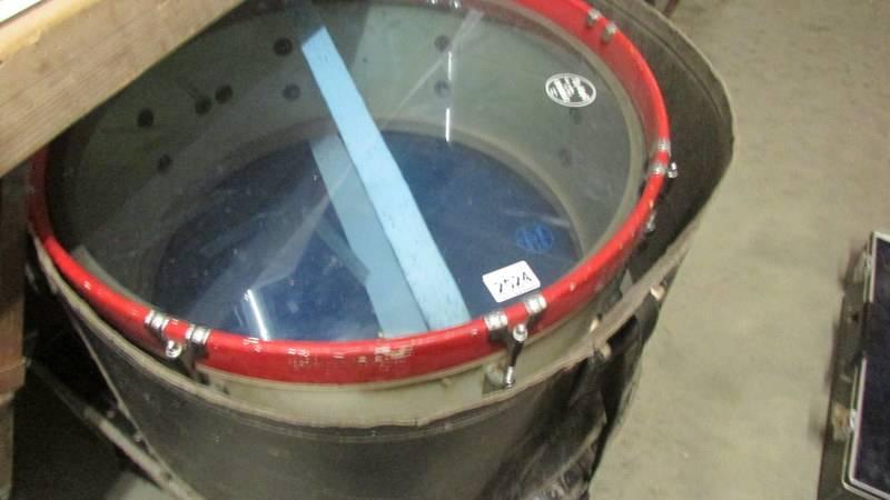 A tenor drum, Premier club, everplay head, 2 sticks.