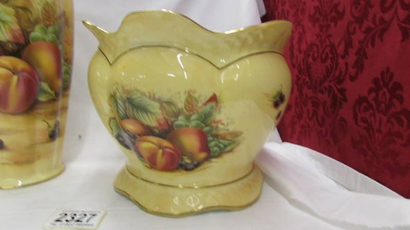 An Aynsley 'Orchard Gold' pattern vase and jardiniere. - Image 3 of 4