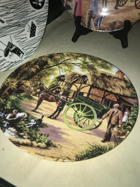 A selection of collectors cabinet plates including aircraft etc. - Image 3 of 12