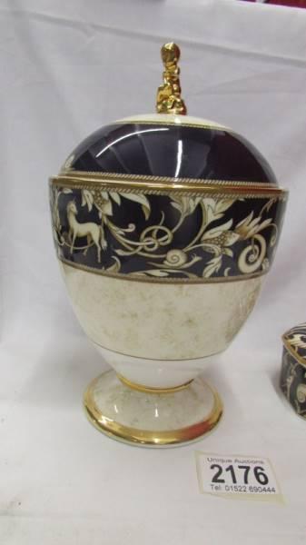 A Wedgwood 'Cornucopia' pattern lidded urn and a matching lidded pot. - Image 2 of 4