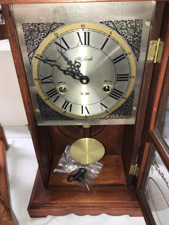 A Highlands 31 day wall/mantle clock - Image 2 of 4
