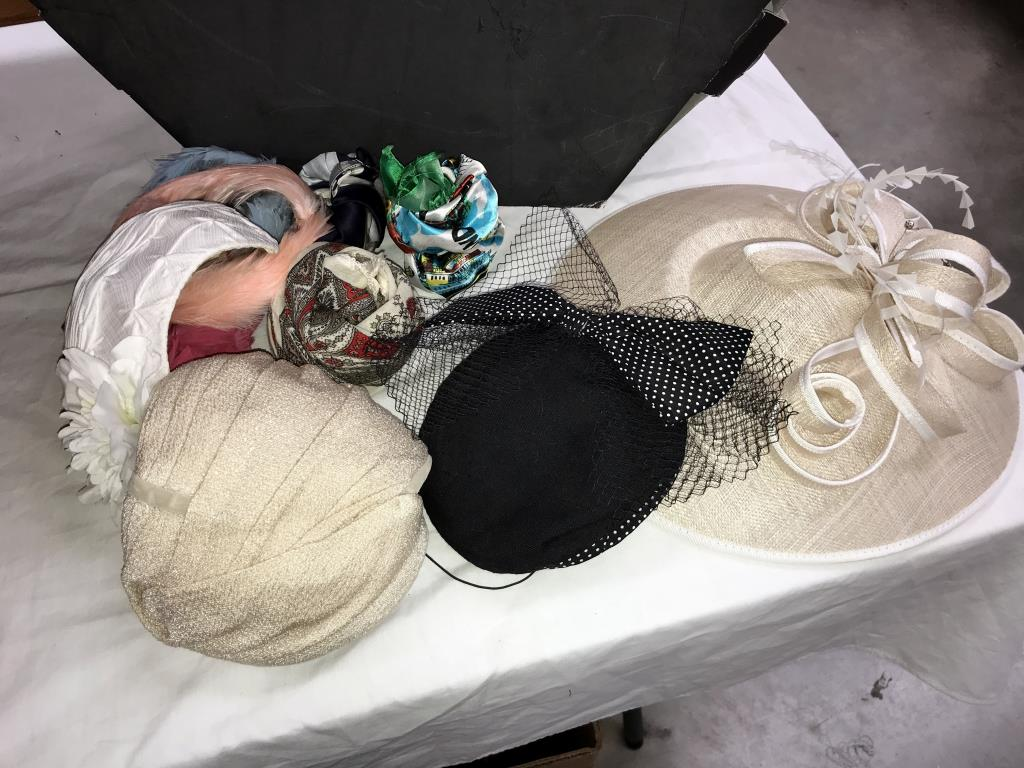 A quantity of fascinators etc and a hat box - Image 3 of 3