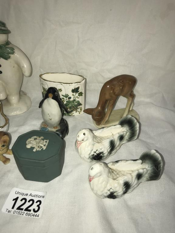A Royal Doulton The snowman DS2 & other ornaments - Image 3 of 3