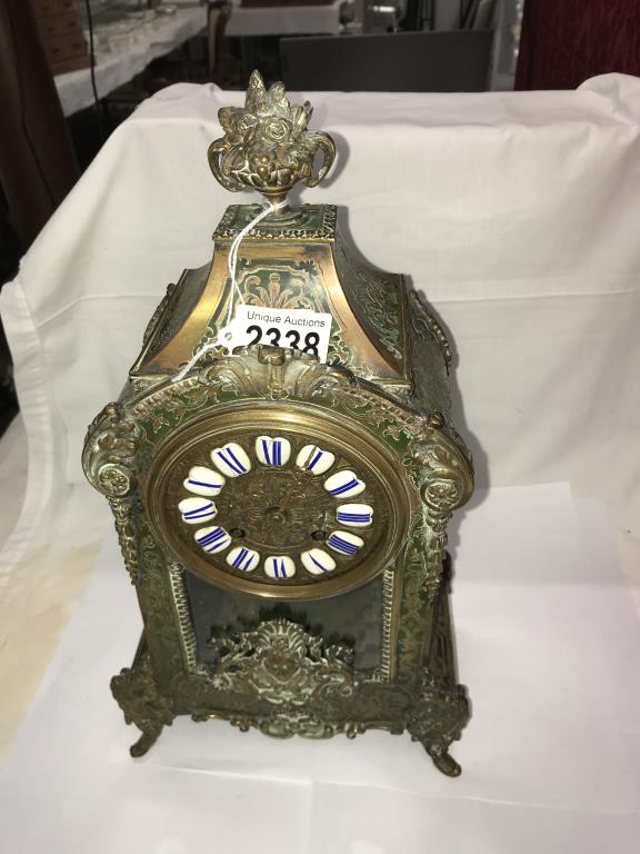 A Victorian Beulle mantel clock in good working order and in good condition with no lifting of - Image 9 of 18