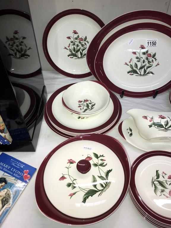 A Wedgwood Mayfield dinner set, - Image 2 of 4