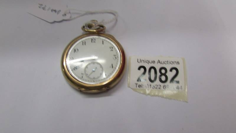 A gent's gold plated pocket watch.