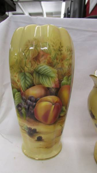 An Aynsley 'Orchard Gold' pattern vase and jardiniere. - Image 2 of 4