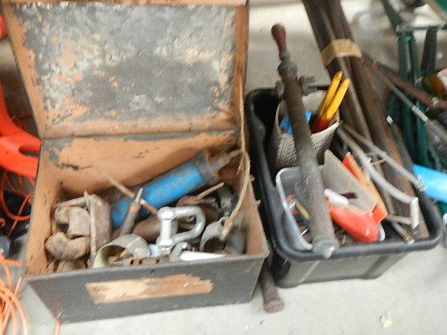 A tin box of tools and one other. - Image 2 of 2