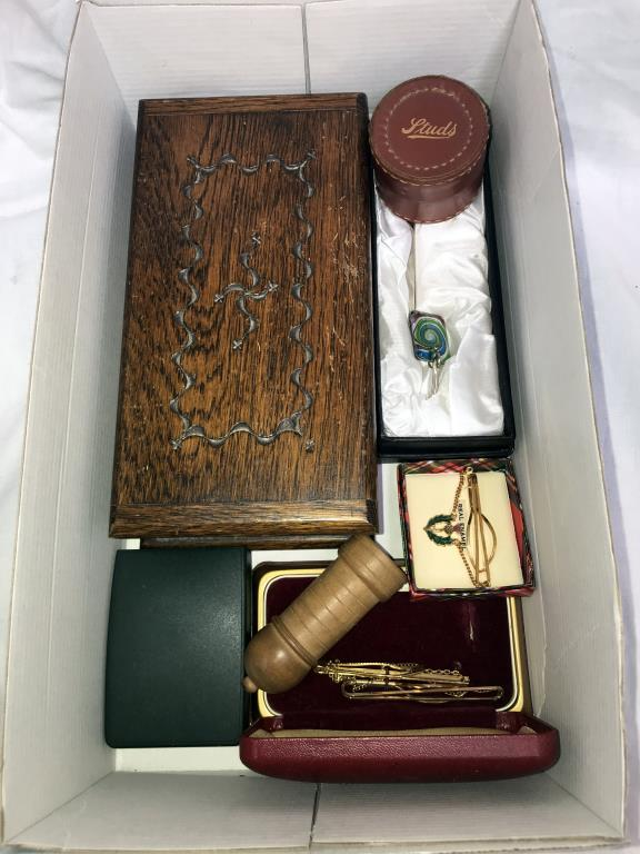 A box of miscellaneous including pill boxes, tie clips, - Image 2 of 4